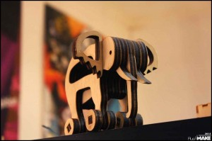 ZB45_wooden_elephant_toy