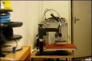 FabLab013 press and 3D printers